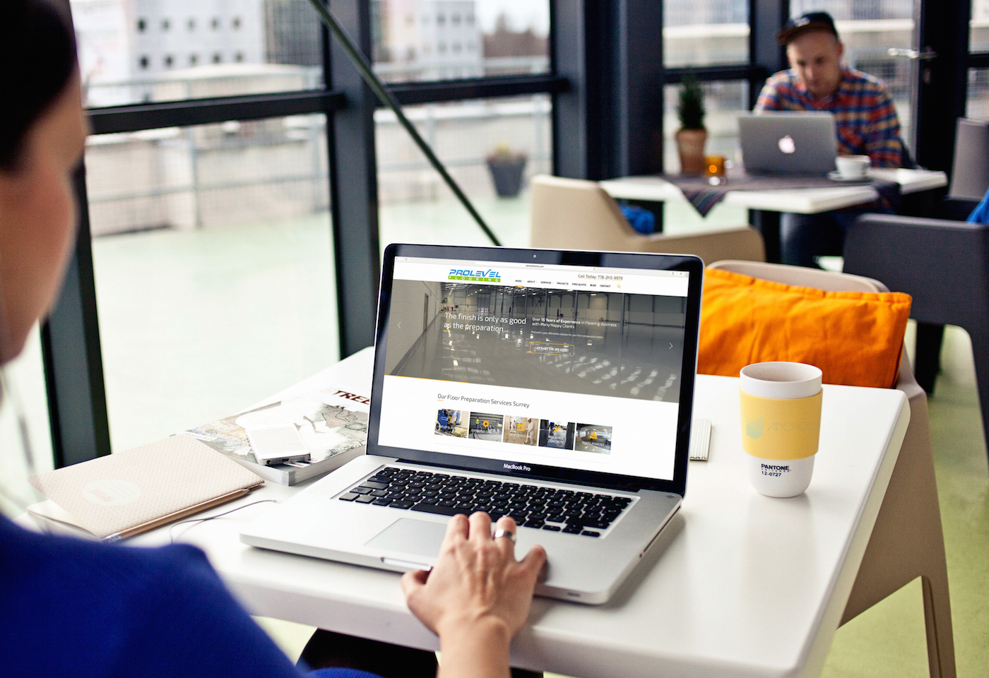 free-macbook-mockup-homepage